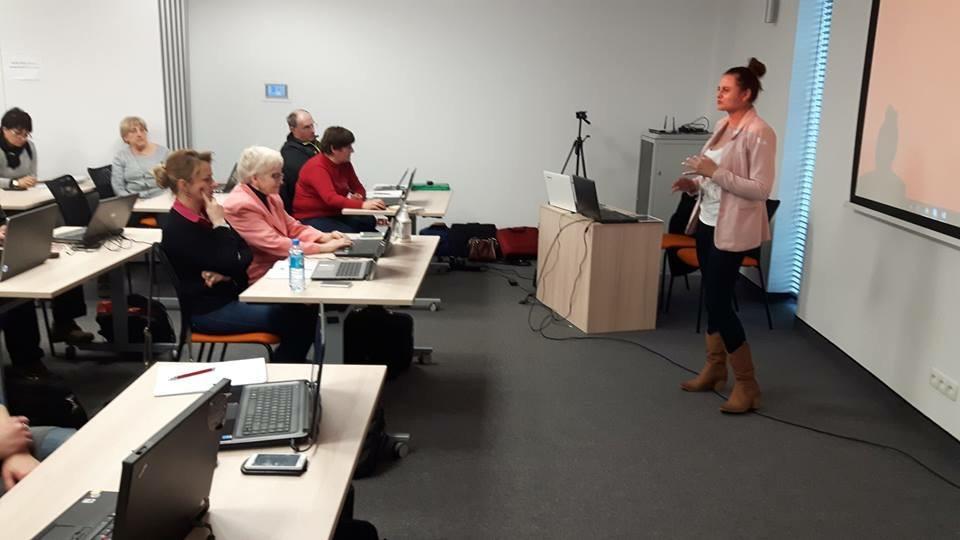 Joanna Sitarz szkolenia online pozyskiwanie partnerow w Internecie